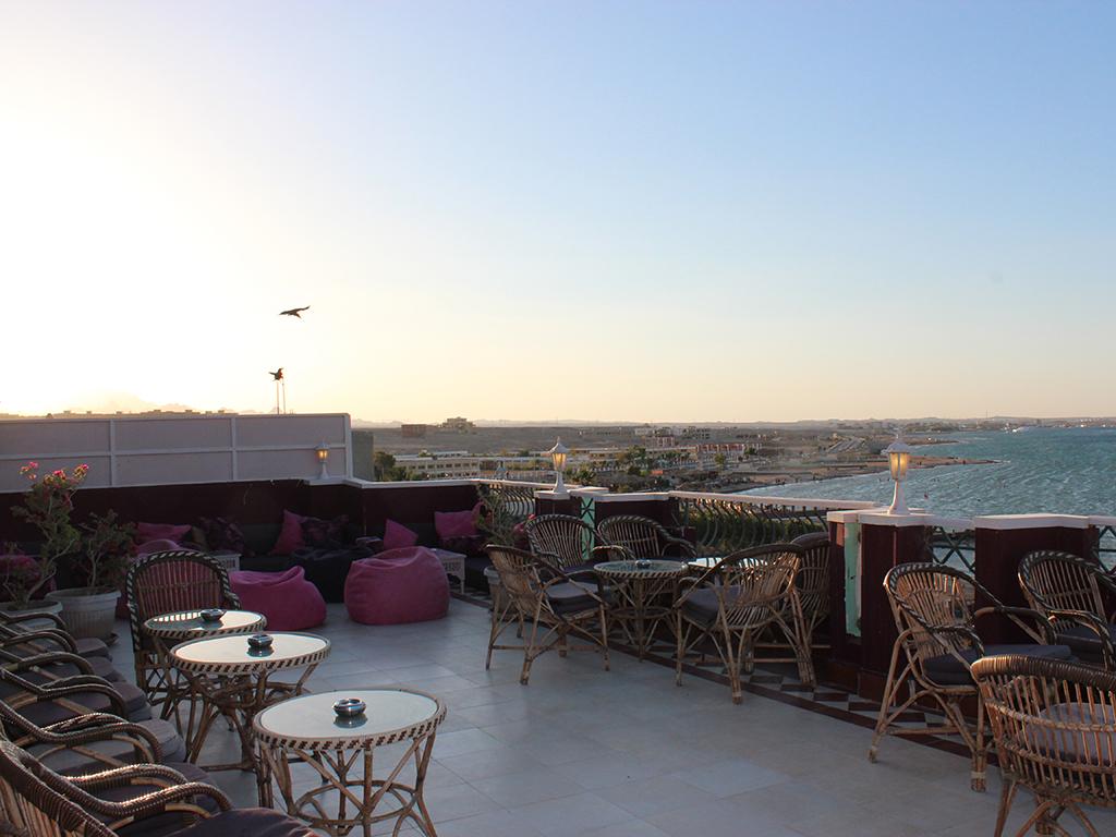 Ons restaurant nemo dive club hotel - Dakterras restaurant ...